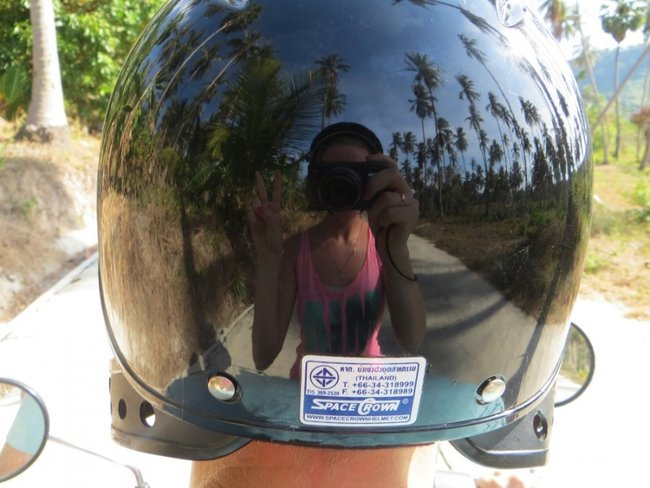 фотограф в отражение шлема