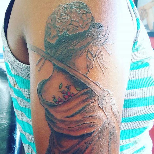 Gueixa Souza Tattoo E Body Piercing