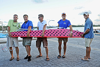 Guinness World S Largest Fishing Lure Weighs 355 Pounds