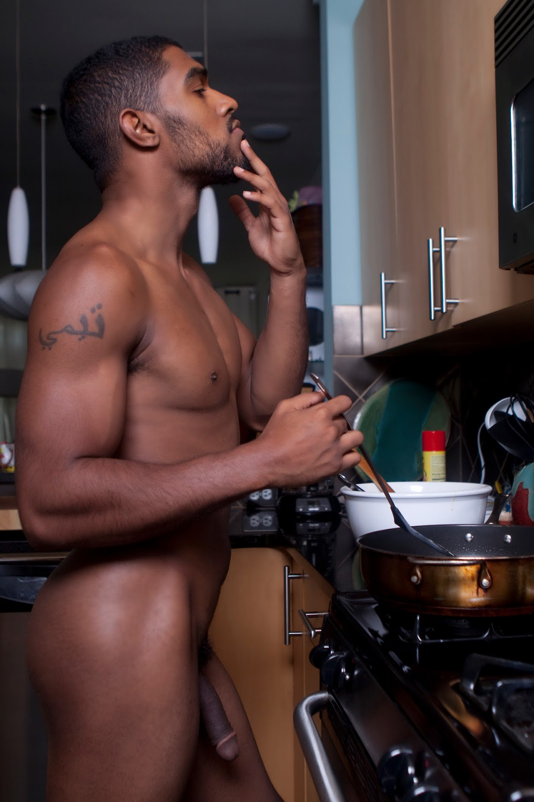 Nude male housework