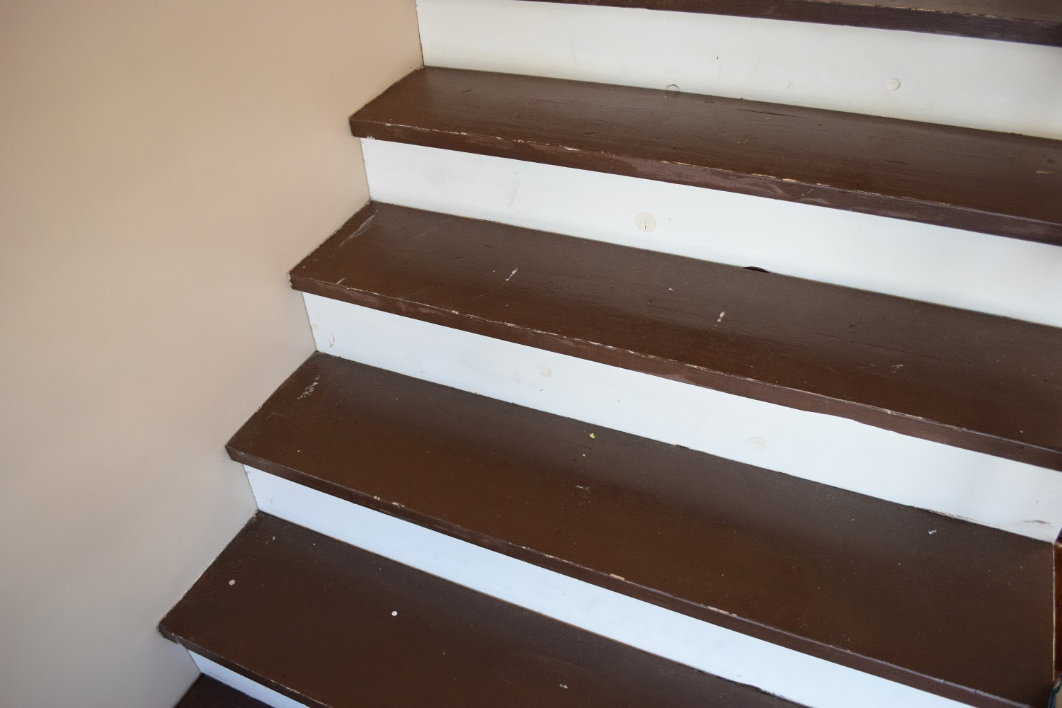 The Scuffed Paint Made Stairs Look Like They Were In A Perpetual State Of Needing Swept But I Ure You Had Just Been When Took These
