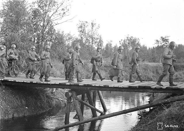 Finnish troops crossing Rajajoki River, 2 September 1941 worldwartwo.filminspector.com