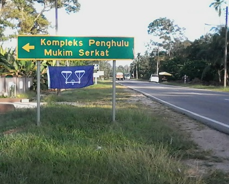 Fenomena Bendera BN Terbalik Kini Berjangkit Di Johor