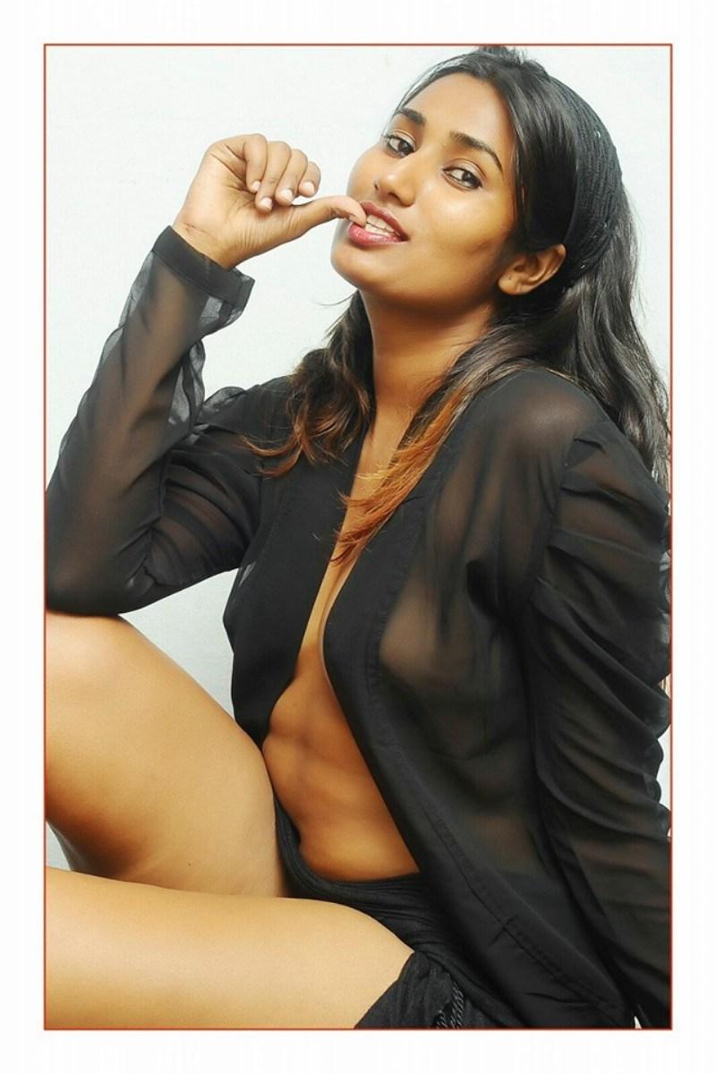 Telugu B Grade Actress Swathi Naidu Hot Photoshoot-4555