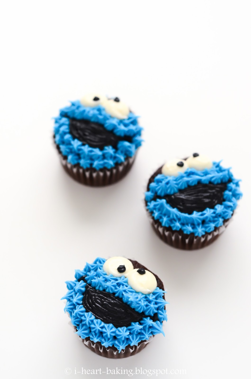 i heart baking!: cookie monster cupcakes