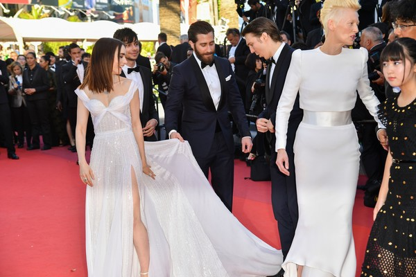 Sophie buhai jake gyllenhaal dating