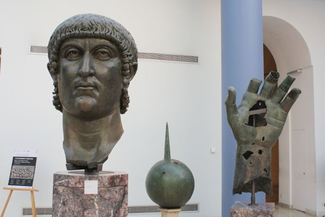 Emperor Constantine's giant finger found in the Louvre