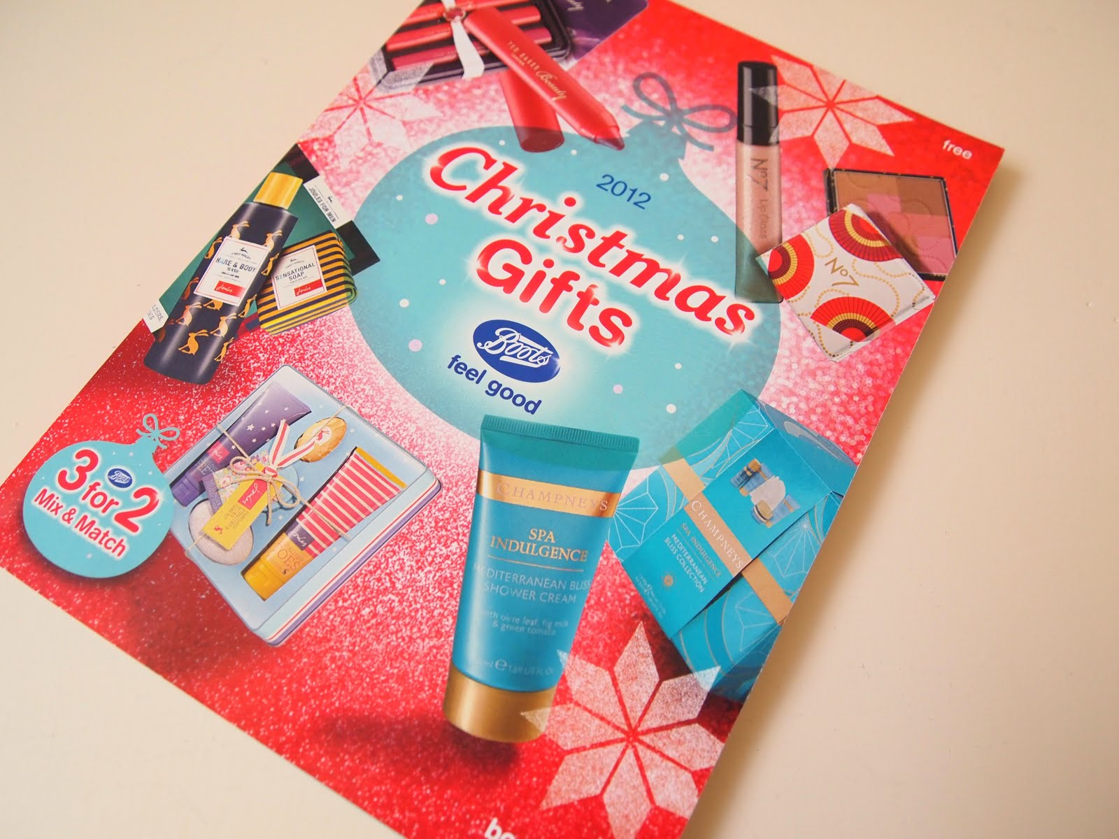 Christmas Gift Guide Catalogue.The Boots Gift Guide 2012