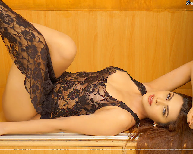 Sherlyn Chopra Sexy Wallpapers