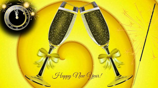 Gelukkig Nieuwjaar 2018 wallpaper met champagne en klok.