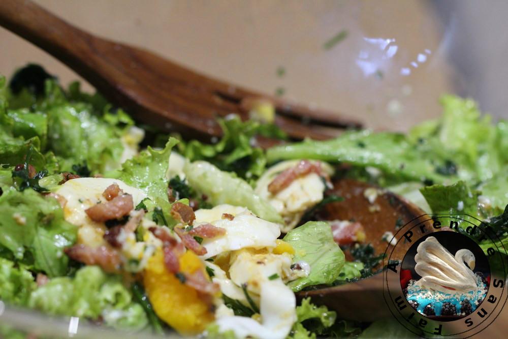 Salade aux œufs et bacon