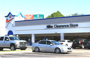 Nike Clearance Store - Kissimmee miles away Old Vineland Rd., Kissimmee FL +1 () Nike Factory Store - Lake Buena Vista Nike Factory Store - Lake Buena Vista miles away State Road , Orlando FL +1 () See all locations. Nearby Stores GIFT CARDS;.