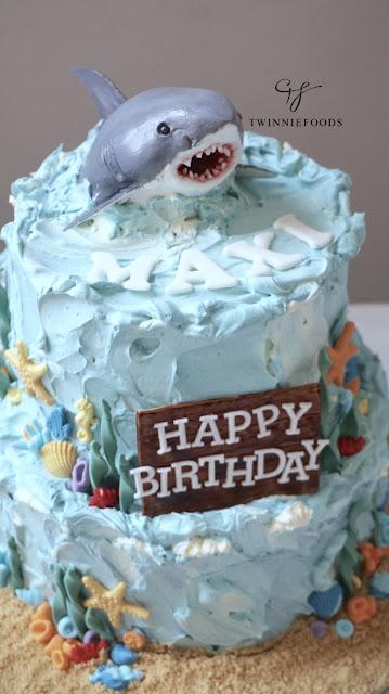 Great white shark cake. Under the sea