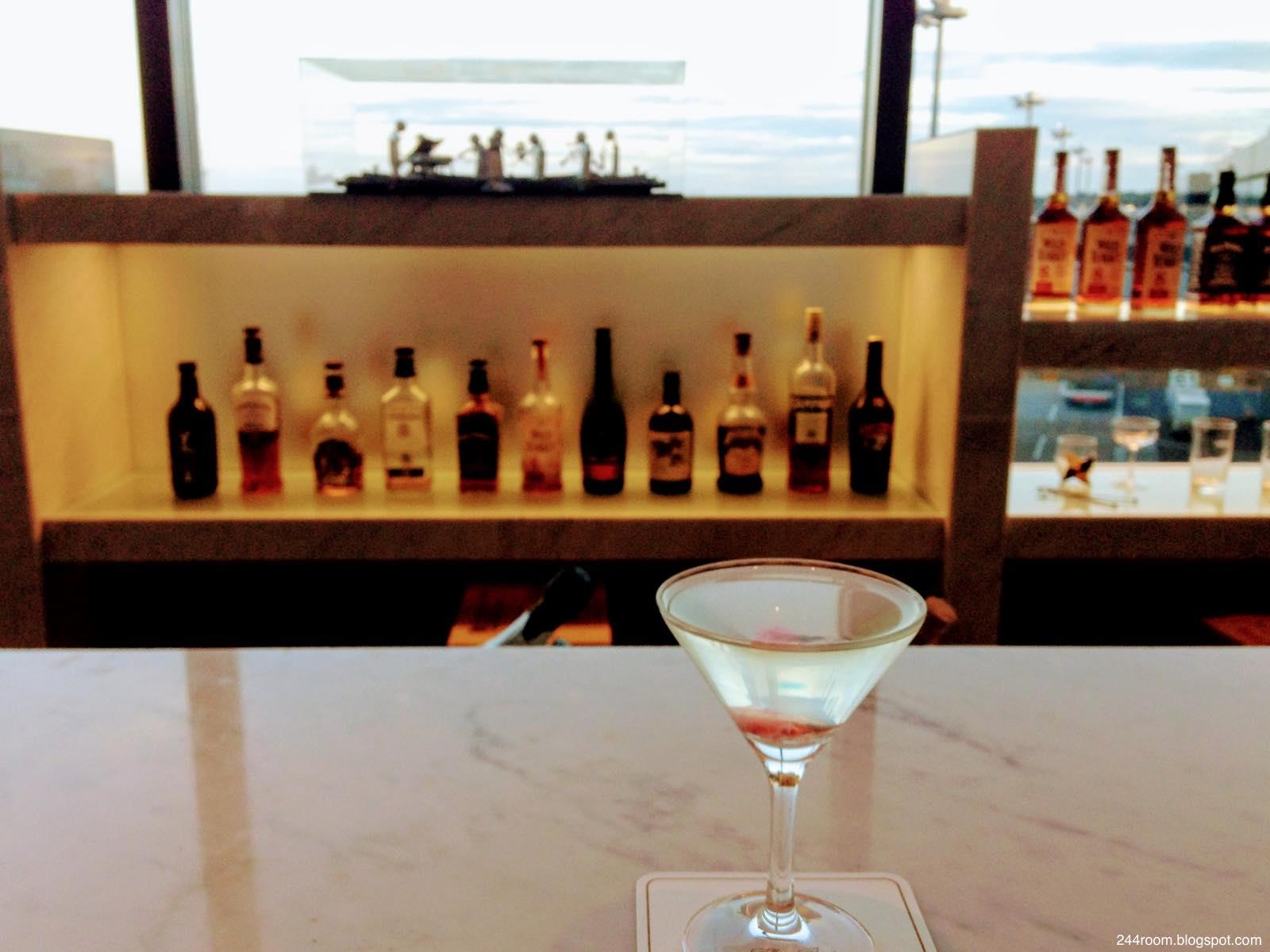 サクララウンジカクテルさくら Sakura lounge cocktail SAKURA2