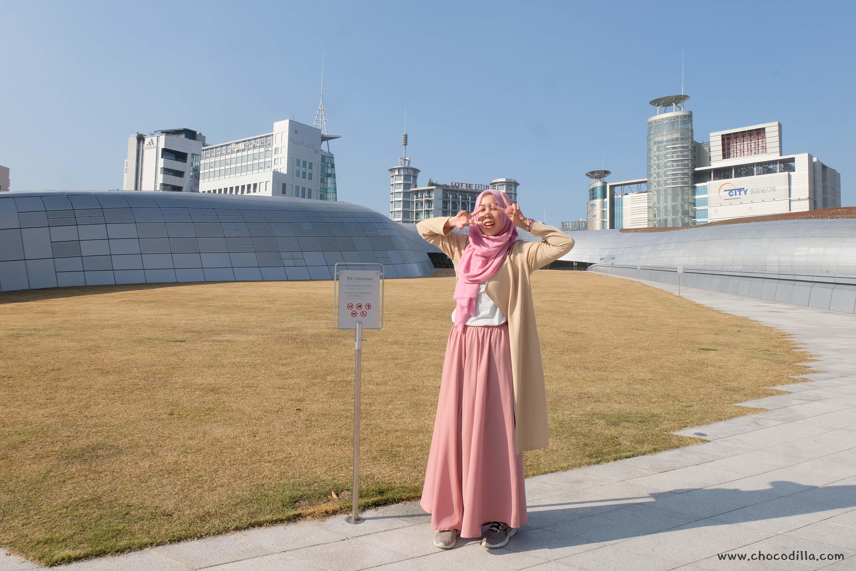 Inspirasi Outfit Musim Gugur untuk Hijaber