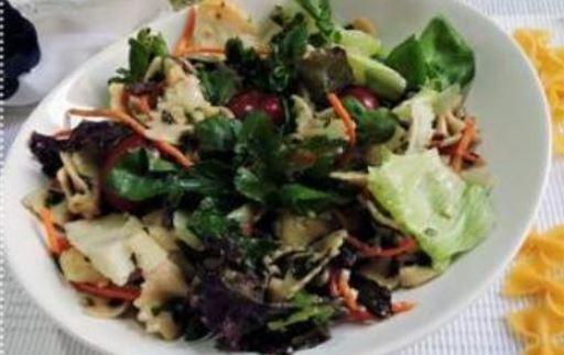 Salada de Macarrão refrescante