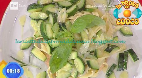 Fettuccine al limone con zucchine e crema di lenticchie ricetta Fava da Prova del Cuoco