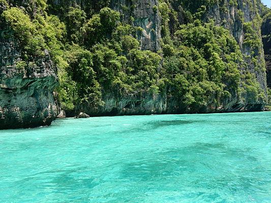 passeio de barco maya bay phi phi tailandia