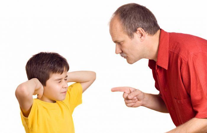 Gambar anak kecil marah