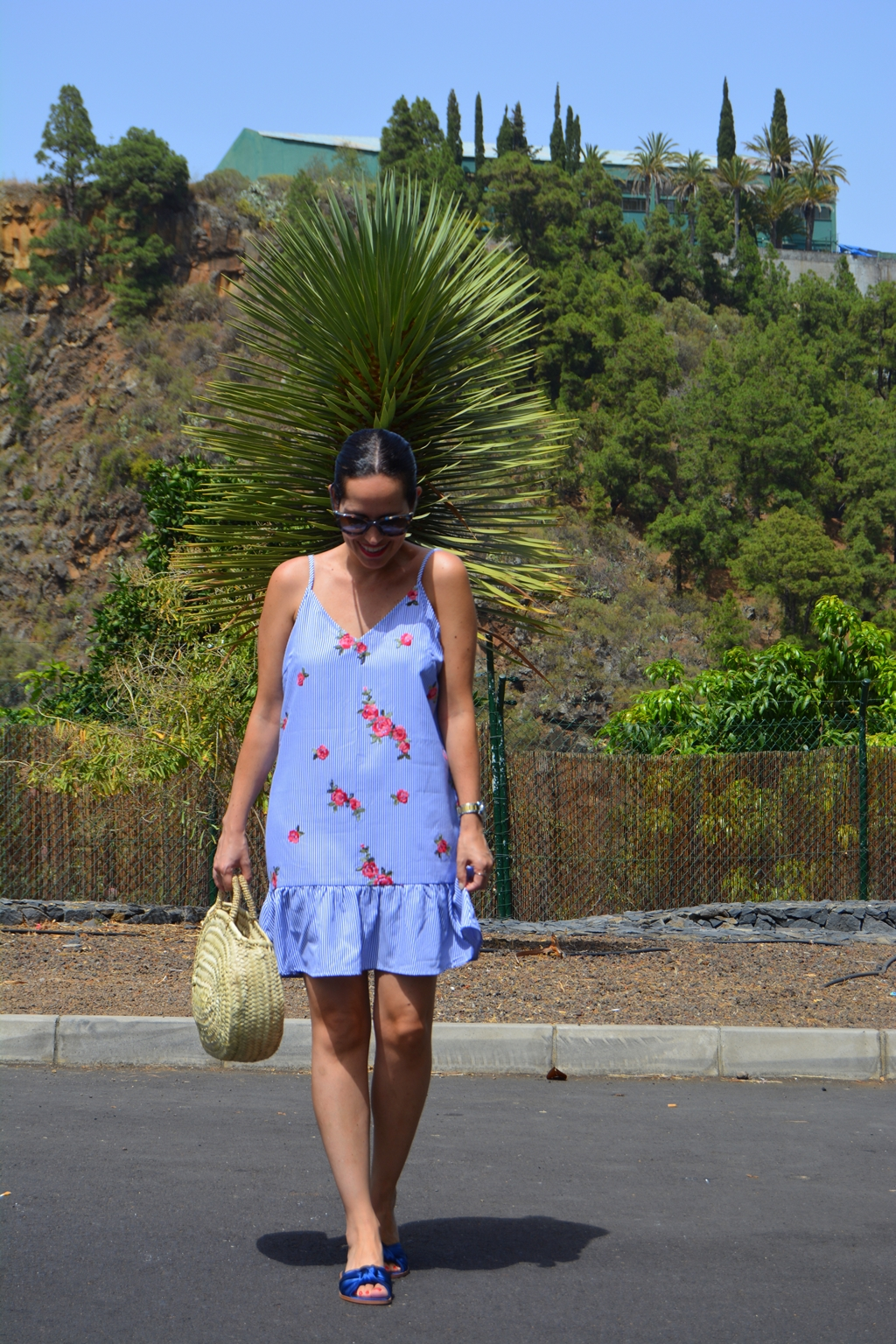 flowers-and-stripes-dress-outfit-zara-streetstyle
