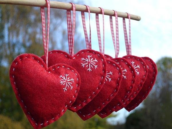 Corações em feltro