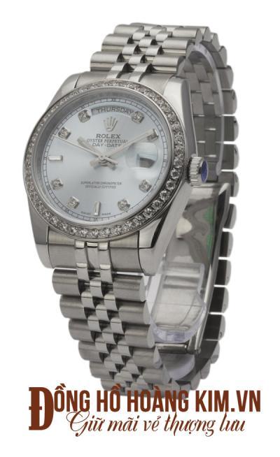 Nên mua đồng hồ mạ bạc ở đâu
