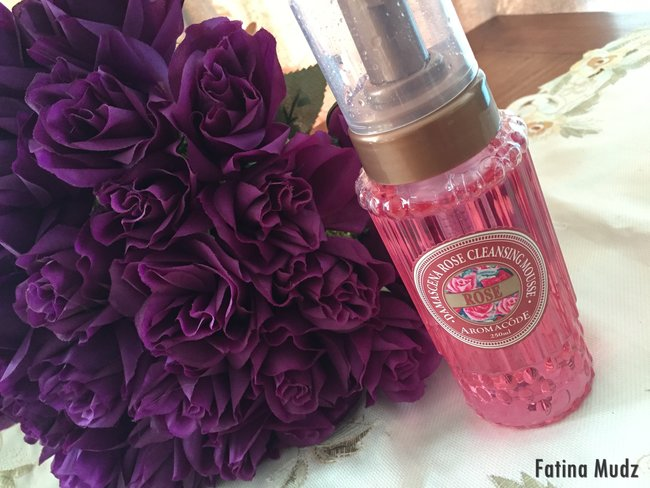 Damascena Rose Whitening Cleansing Mousse
