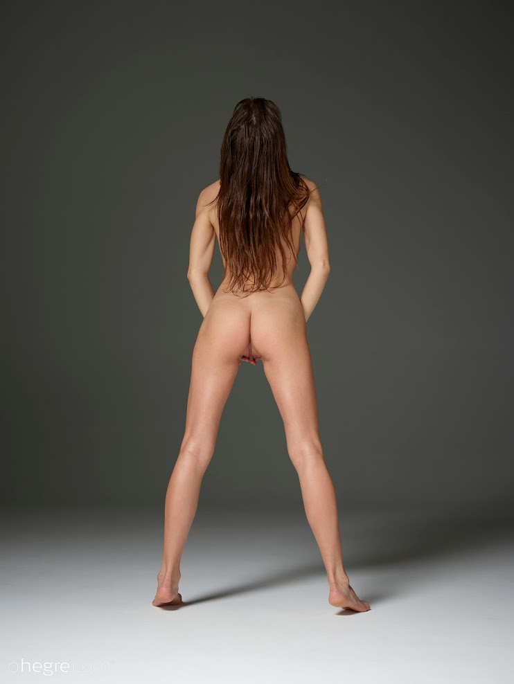 title2:Hegre Veronika V Nude And Natural