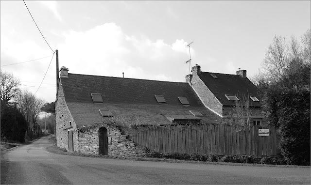 Saint-Just lieu dit Parsac maisons anciennes rénovées