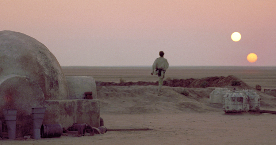 Luke Skywalker pe planeta Tatooine