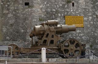 castello sforzesco cannone mortaio skoda 30.5 rovereto