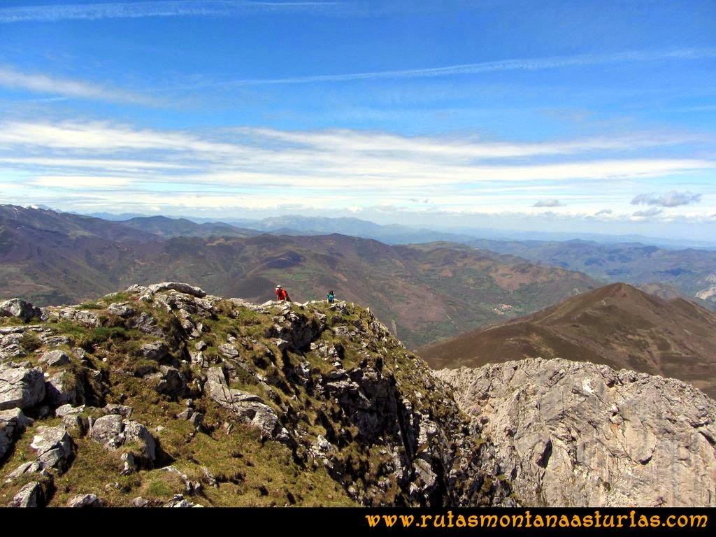 Ruta Peña Redonda: Arista final a la cima