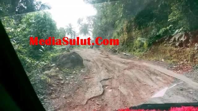 Warga Kumersot-Apela Ancam Tutup Akses Jalan Kalau Tidak Diperbaiki
