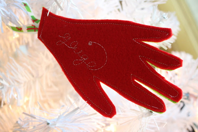 How to Sew a Felt Keepsake Ornament | www.thekimsixfix.com