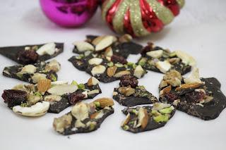 CHOCOLATE BARK / CHOCOLATE NUTS BARK