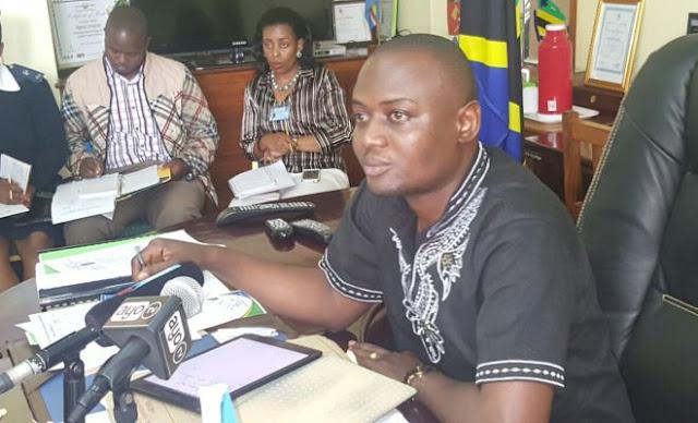 RC Mrisho Gambo apigiwa simu Rais Magufuli. Soma walichozungumza