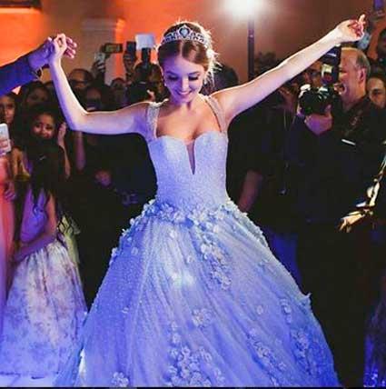 Giovanna Chaves vestido festa