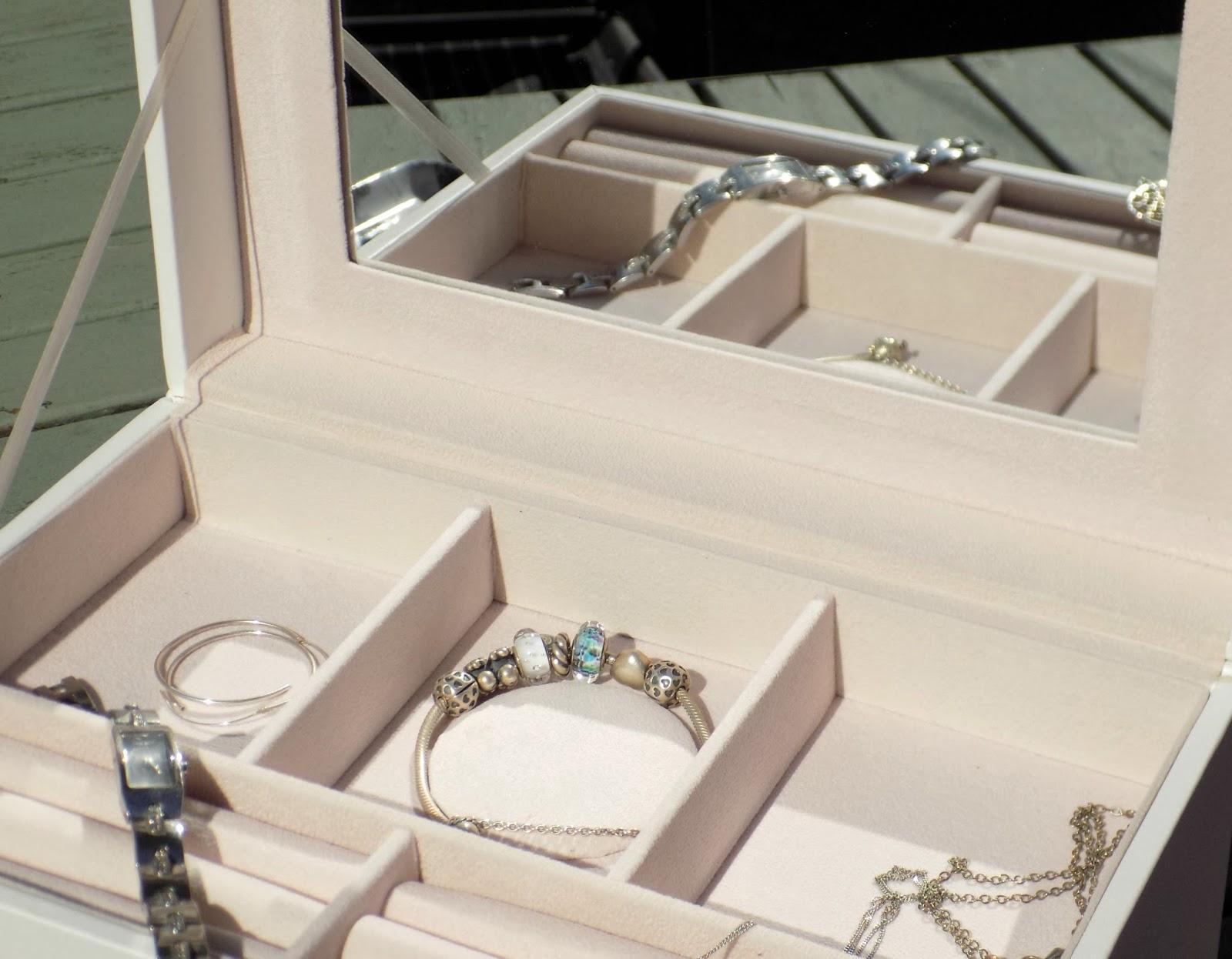 Songmics faux leather jewellery box