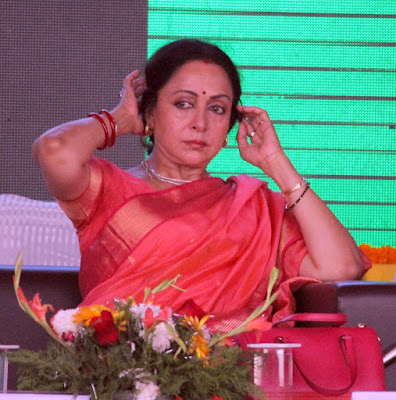 new-kent-ro-tvc-reminds-hema-malini-of-seeta-aur-geeta