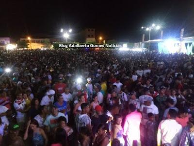 Milhares de pessoas celebraram a chegada de 2019 em Delmiro Gouveia