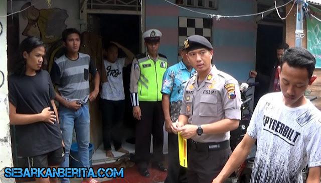 SEMARANG , Sepasang Remaja Berduaan di Kamar Kos Dibawa Petugas