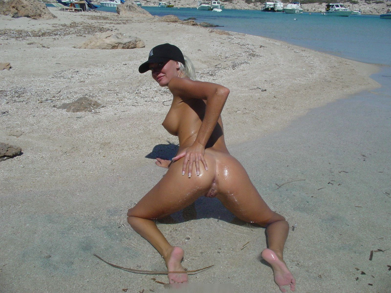 Blonde Euro Chick Butt Naked On Beach In Aruba -5506