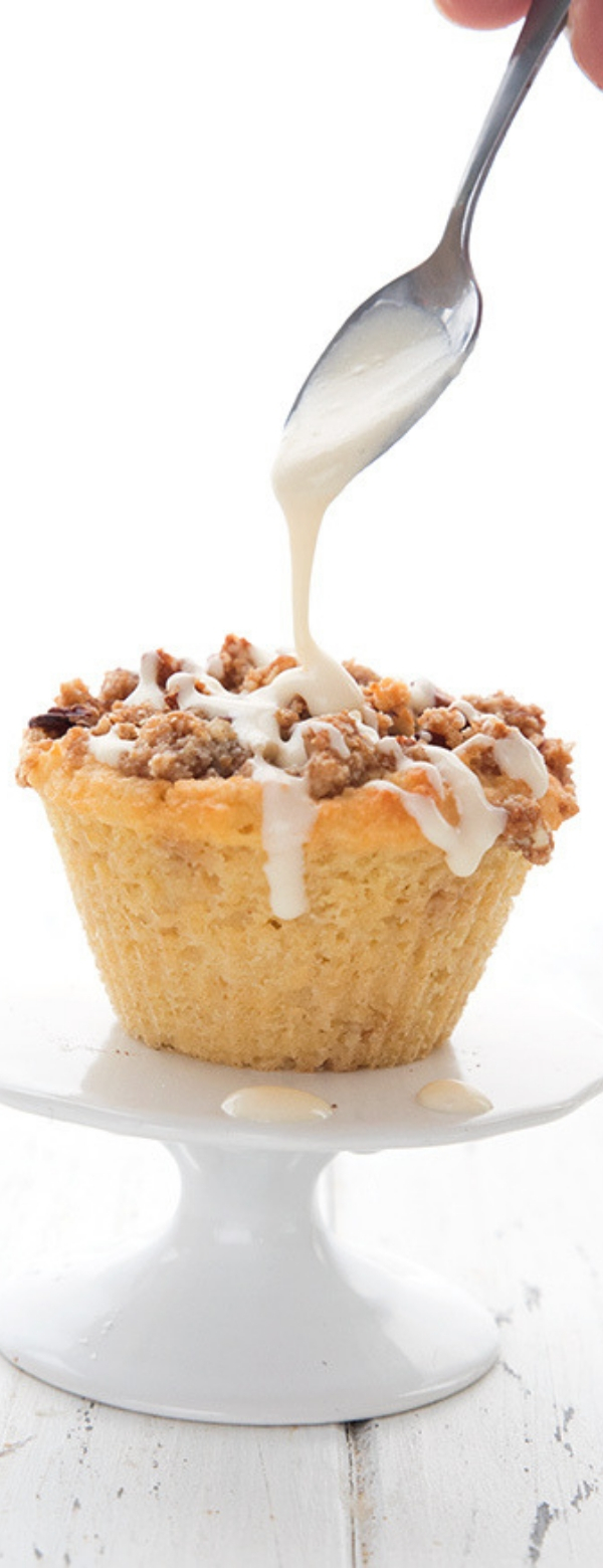 Low Carb Coffee Cake Muffins #COFFEE #CAKE #CUPCAKE #LOWCARB