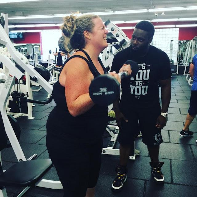 Este entrenador subió 30 kilos para ayudar a su clienta ¡Bajándolos con ella!