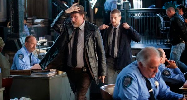 Harvey Bullock y James Gordon en Gotham 1x01