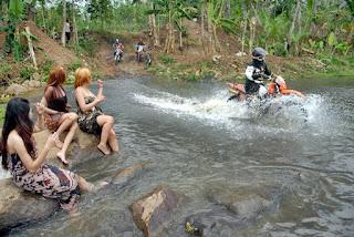 Arti Mimpi Buang Air Besar Di Sungai dan Melihat Kotorannya