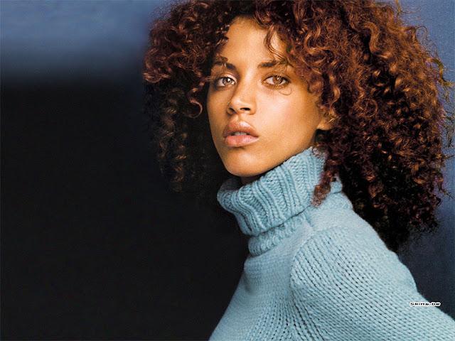 mujer jersey cuello azul