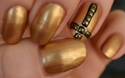 nail studs from KKCenterHk.com