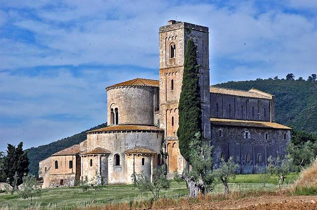 Sant'Antimo - Abbazia. Montalcino