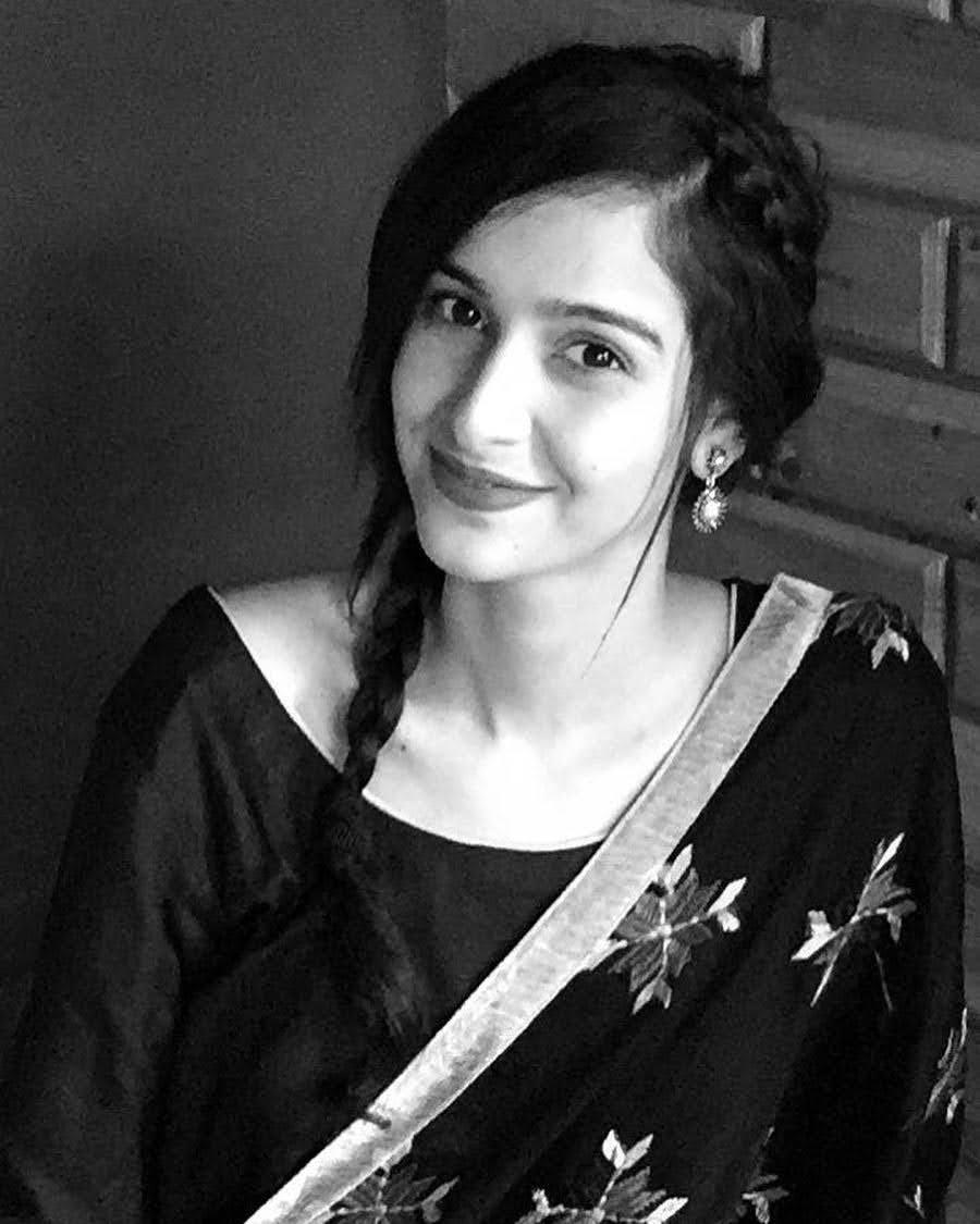 Sadia Khateeb 27
